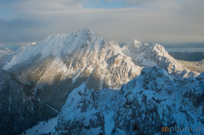 Vrtača s Srednjega vrha